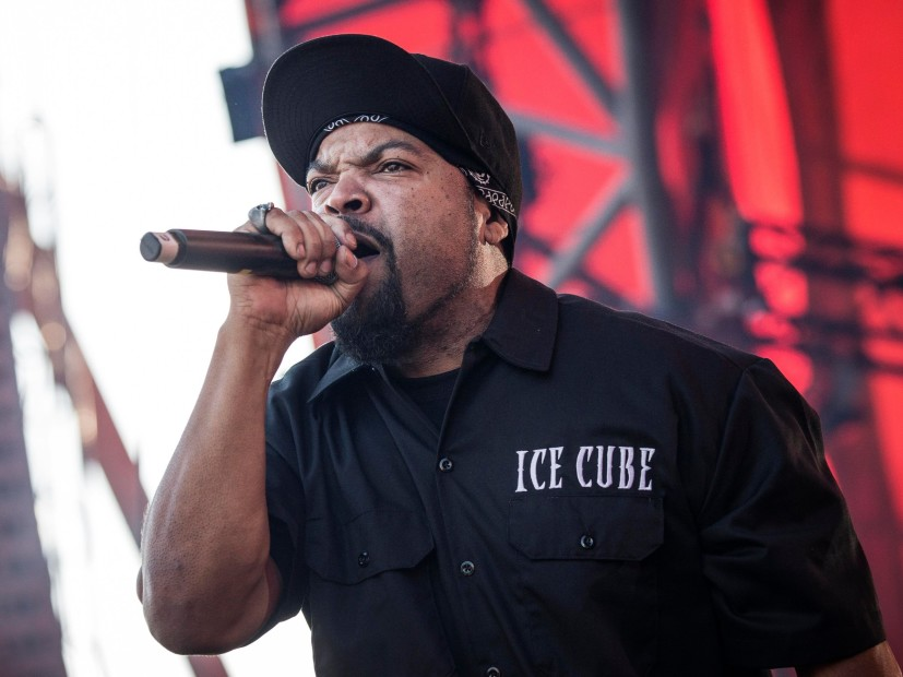 Ice Cube's long awaited solo album, Everythangs Corrupt, has finally surfaced.